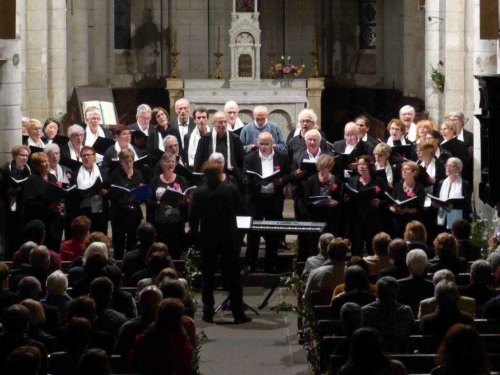 Cantate en FA et A Travers Chants lors du concert commun à Herment le 6 juin 2018